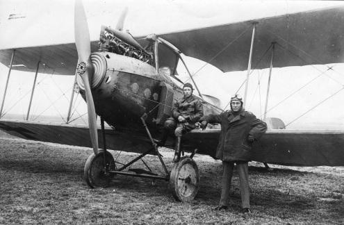 Max Holzinger (re.) zusammen mit dem Fürther Flieger Fritz Faber