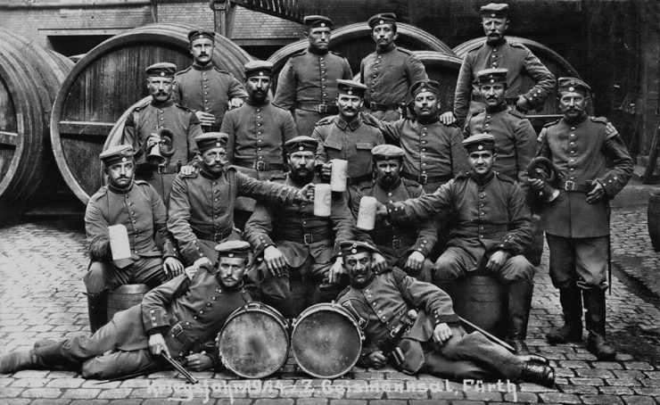 Geismannsaal 1914 Soldaten