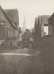 Schulhof um 1900