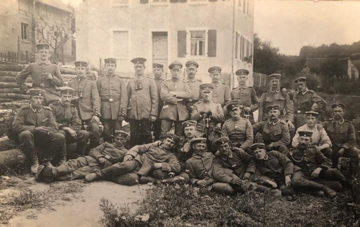 Albert Rosenfelder mit Soldaten
